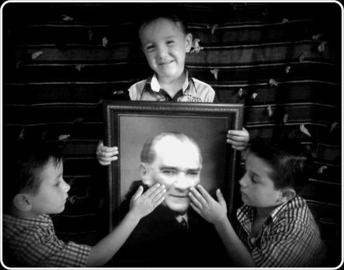 Atatürk'ün Okuduğu ve Kitaplar 1 İdea Koleji
