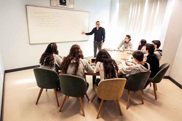 9 Kişilik Sınıflarda en iyi eğitim