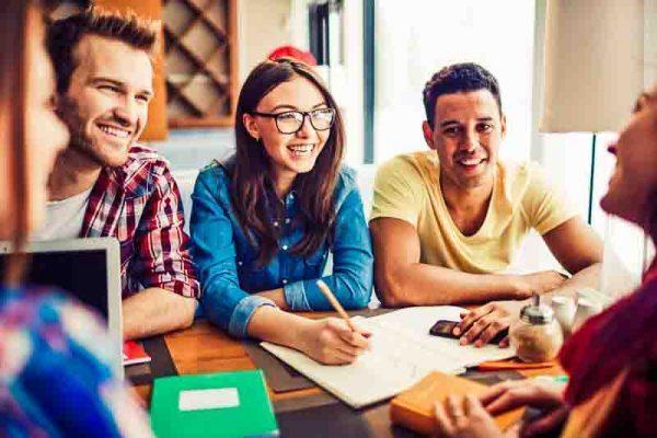 idea öğrencilerine zaman ayırır